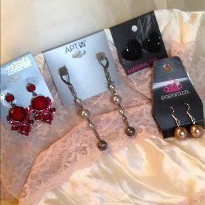4 Pair of Trendy Earrings